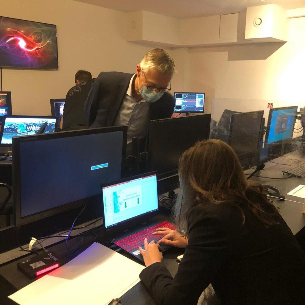 Achter de schermen tijdens het digitaal congres Zorgondersteuning vzw